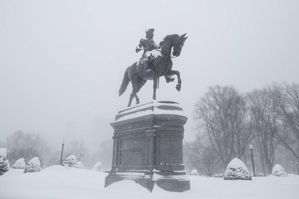 Another+Snowstorm+Hits+Winter+Weary+Boston+g28BsaWYoAkl